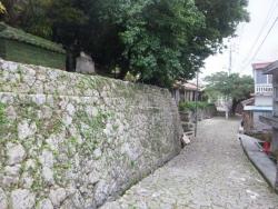 華茶園の石垣と石畳