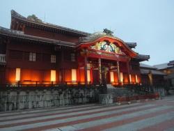 首里城 正殿のライトアップ