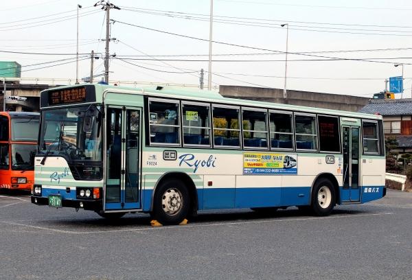 岡山22か3147 F9024