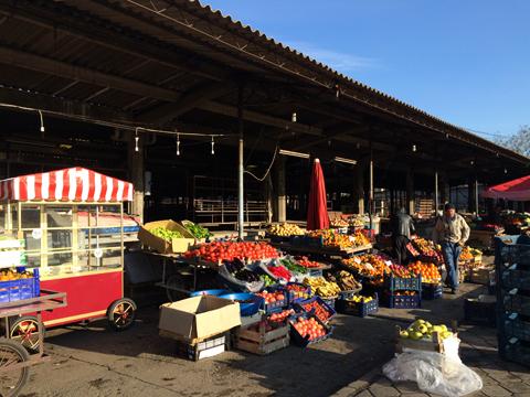 朝のサリフリ市場