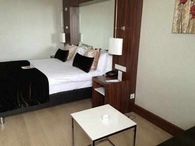 イクバルホテル部屋1