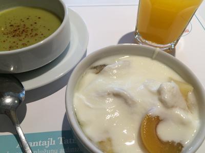 29日の朝食1チョルバにヨールト