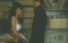 恵美子を下着姿にする洋
