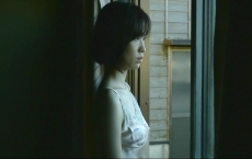 雨戸を開けた恵美子