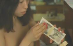 たんすの中が札束を見つけた富美子