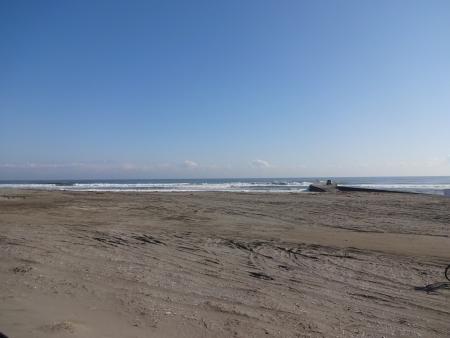 034海岸でしばし談笑するくらい天気が良かった