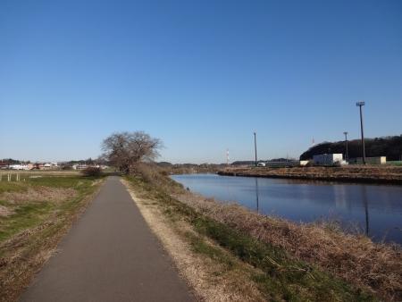 033新川沿いを北上