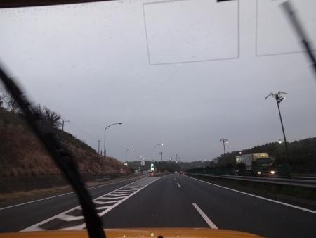 003館山道を走行中、雨が・・