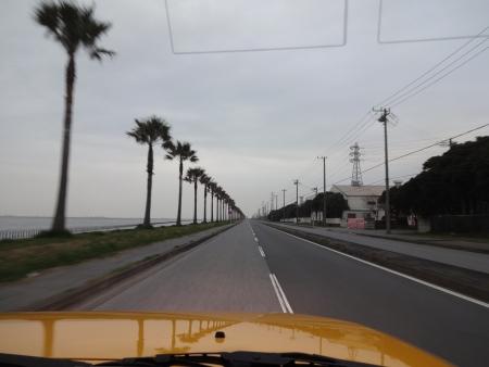 004海浜公園前の道、ウイニングランができるか?