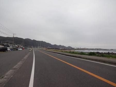 046①R410から市道に入ります、前方の橋は千倉大橋、このあと事件が