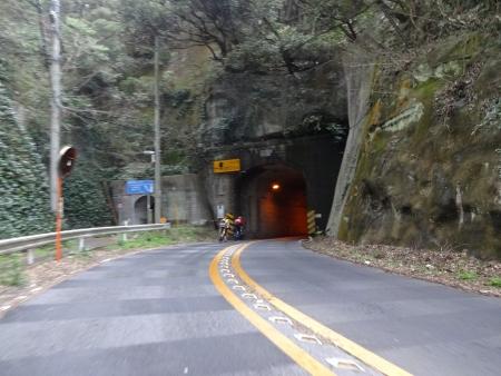051こんなトンネル