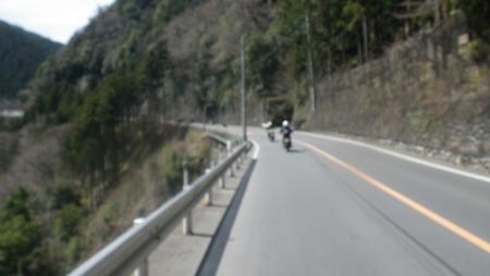 024K45(吉野街道)から万世橋を渡りR411(青梅街道)に、だんだん登ります