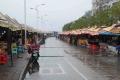 DSC_9203国境の河沿いの市場
