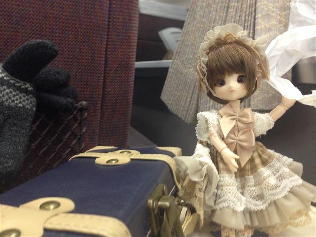 電車内にて。人の少ない有料特急はチャンスが多い