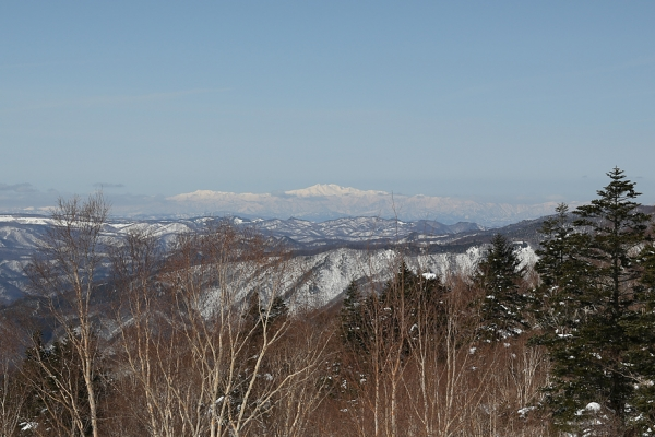 遠く白山も見える。