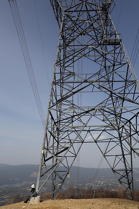 御池岳 登山道は鉄塔を巡る旅