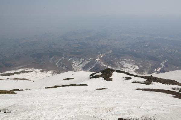 岩木山 頂上東面は残雪豊富