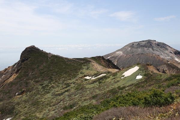 那須岳 朝日岳と茶臼岳