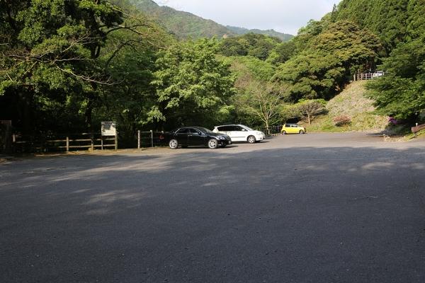 宮妻キャンプ場駐車場