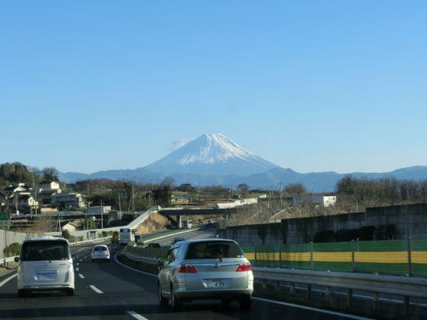 2015.1.12 中央道からの富士山