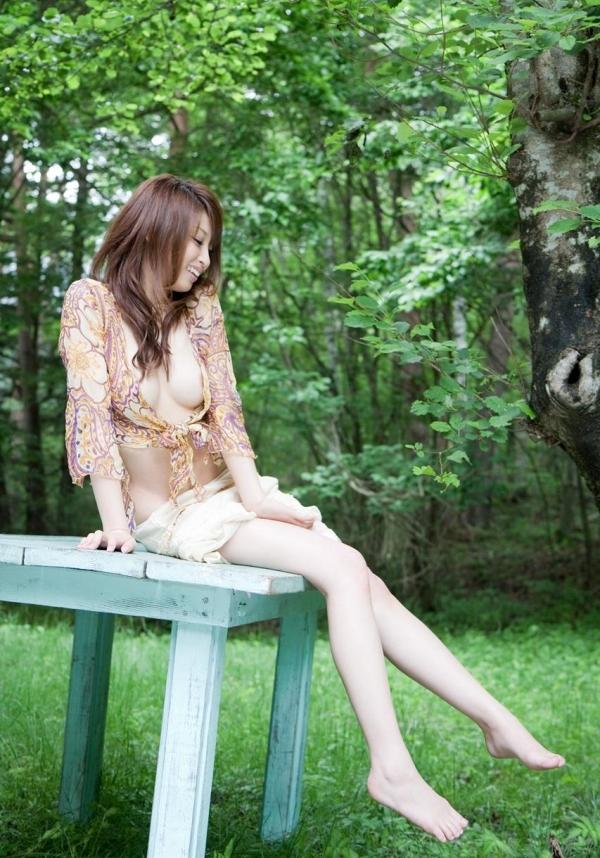 秋山祥子 細身で美脚の絶品ボディヌード画像60枚の016枚目