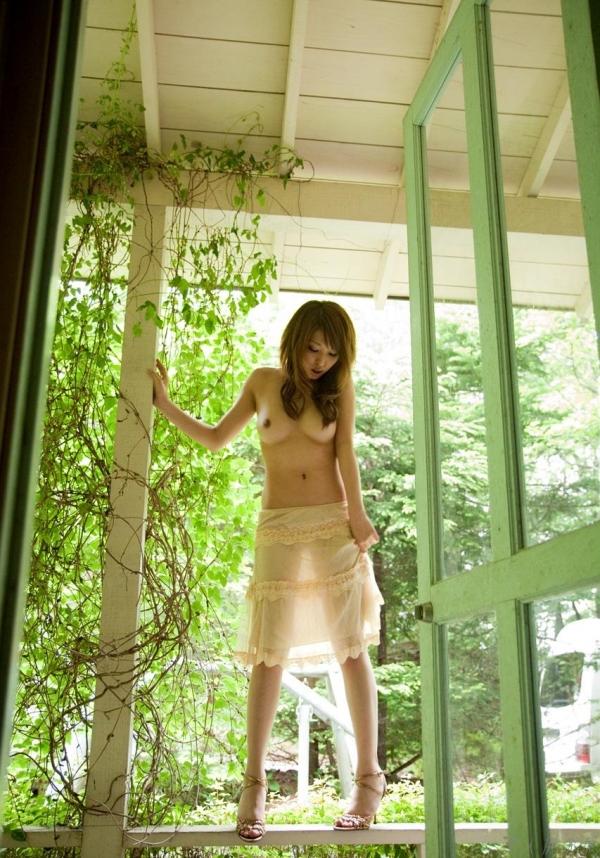 秋山祥子 細身で美脚の絶品ボディヌード画像60枚の030枚目