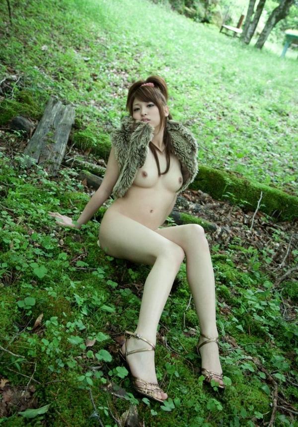 秋山祥子 細身で美脚の絶品ボディヌード画像60枚の040枚目