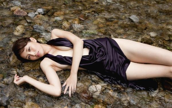 グラビアアイドル 橋本マナミ 水着セクシー画像 ヌード画像 おっぱい お尻 エロ画像022a.jpg