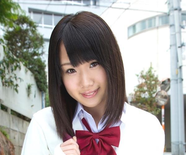 百武あみ|妹系ロリな女子高生が制服ヌード!アイドル系 美少女エロ画像64枚