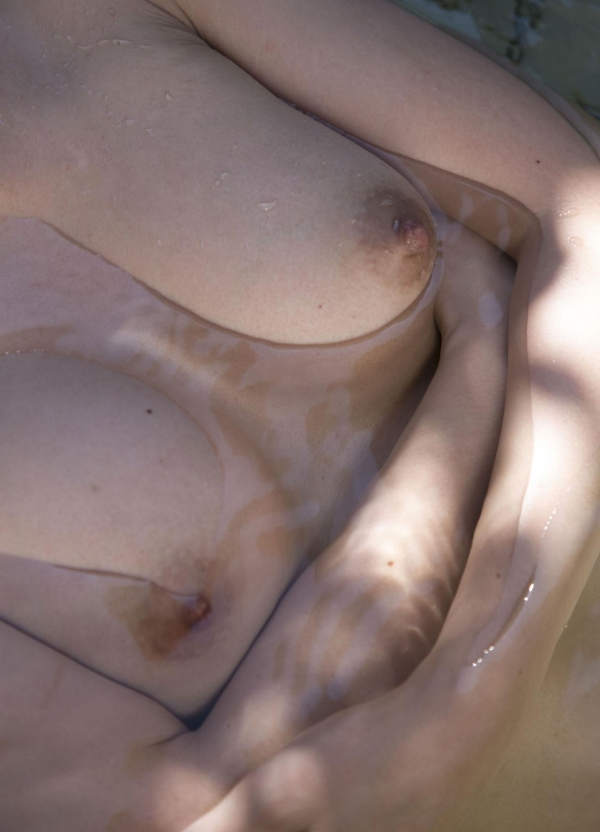 AV女優 一条綺美香|艶やかな50歳熟女の色気!美巨乳が眩しいヌード画像140枚 無修正 ヌード クリトリス エロ画像030a.jpg