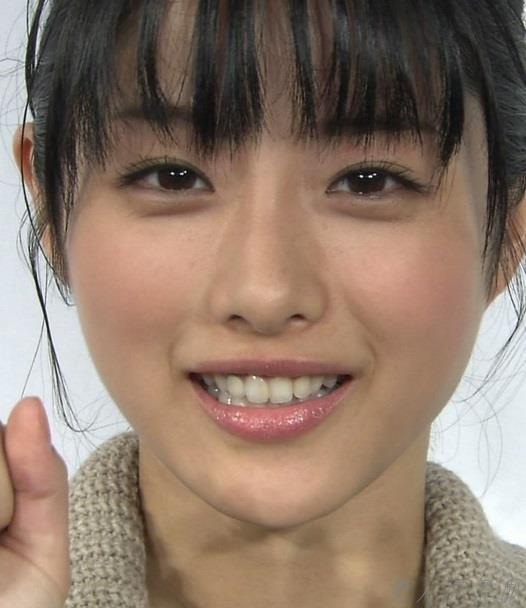 女優 石原さとみ ヌード画像 アイコラc008a.jpg