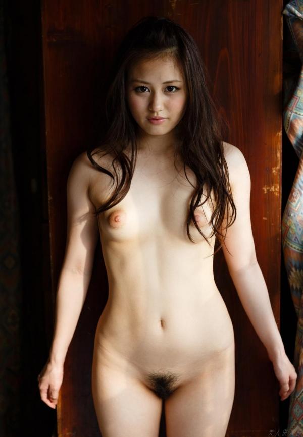 伊東紅 元アイドルの小柄な女の子ヌード画像85枚の003枚目