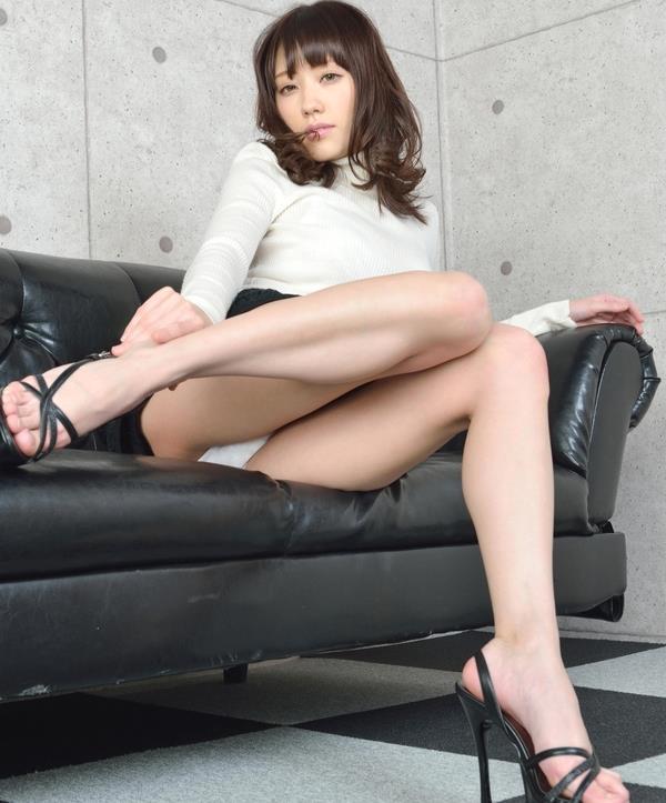 グラビアアイドル 夏目ゆき 過激 パンチラ画像 ヌード画像 美脚 エロ画像001a.jpg