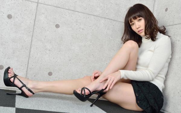 グラビアアイドル 夏目ゆき 過激 パンチラ画像 ヌード画像 美脚 エロ画像037a.jpg