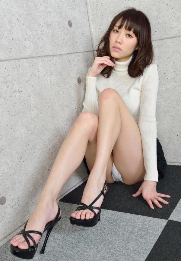 グラビアアイドル 夏目ゆき 過激 パンチラ画像 ヌード画像 美脚 エロ画像039a.jpg