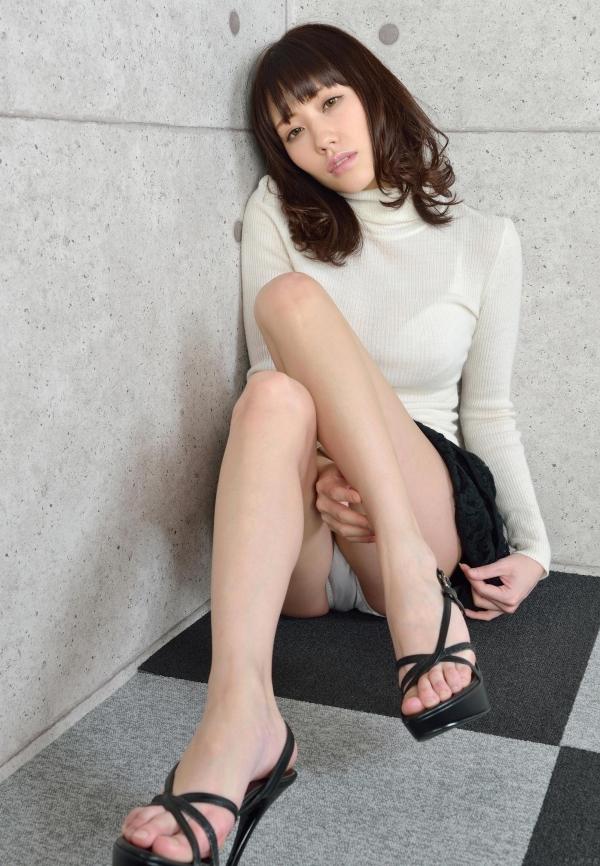 グラビアアイドル 夏目ゆき 過激 パンチラ画像 ヌード画像 美脚 エロ画像040a.jpg