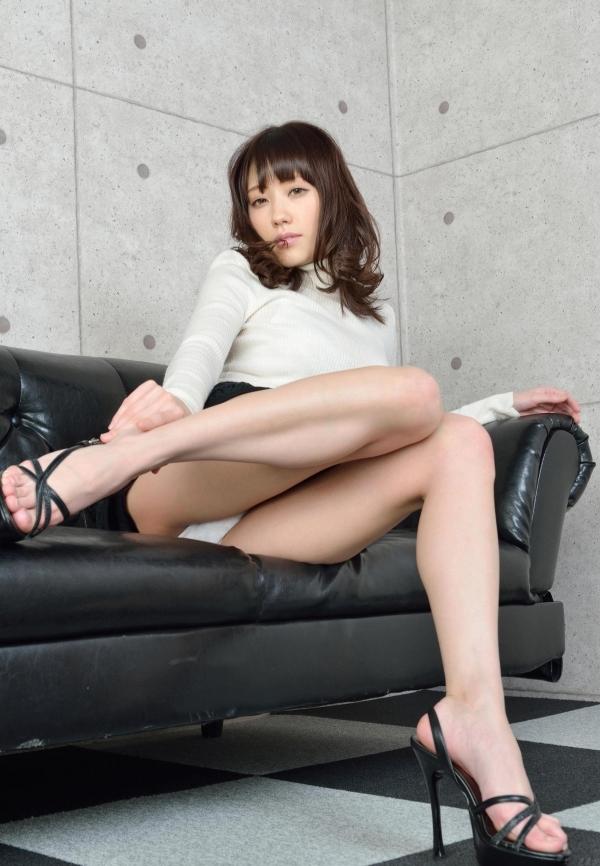 グラビアアイドル 夏目ゆき 過激 パンチラ画像 ヌード画像 美脚 エロ画像048a.jpg