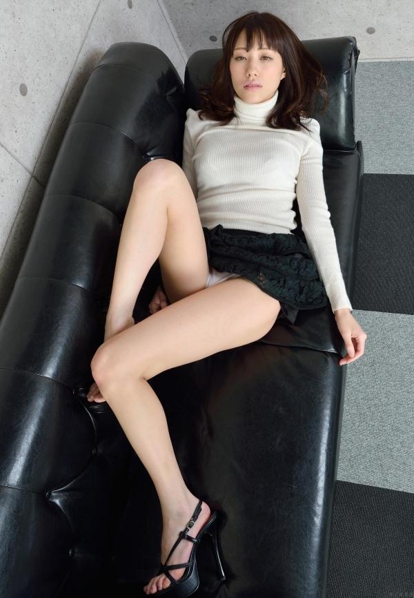 グラビアアイドル 夏目ゆき 過激 パンチラ画像 ヌード画像 美脚 エロ画像055a.jpg