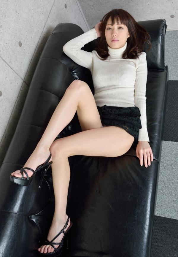 グラビアアイドル 夏目ゆき 過激 パンチラ画像 ヌード画像 美脚 エロ画像056a.jpg
