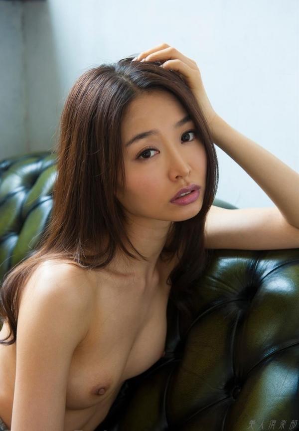 夏目彩春(なつめいろは)美脚美女の画像140枚のaa009番
