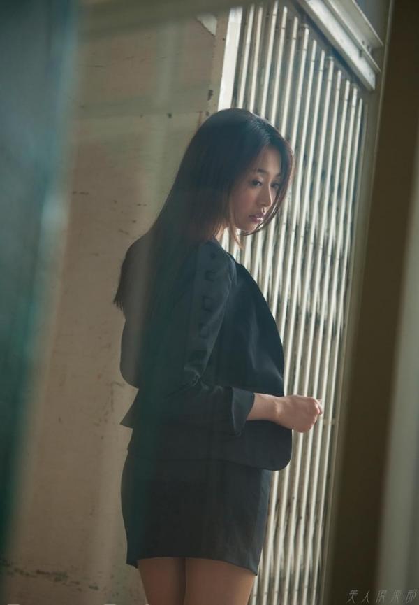 AV女優 夏目彩春 なつめいろは 美尻 美脚 フェラ画像 クンニ画像 エロ画像 無修正aa021a.jpg