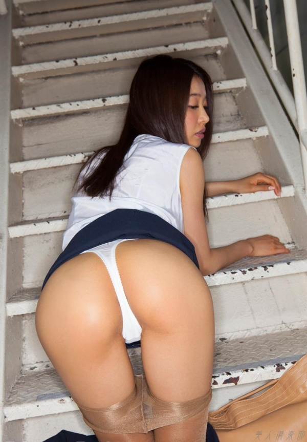 AV女優 夏目彩春 なつめいろは 美尻 美脚 フェラ画像 クンニ画像 エロ画像 無修正aa032a.jpg