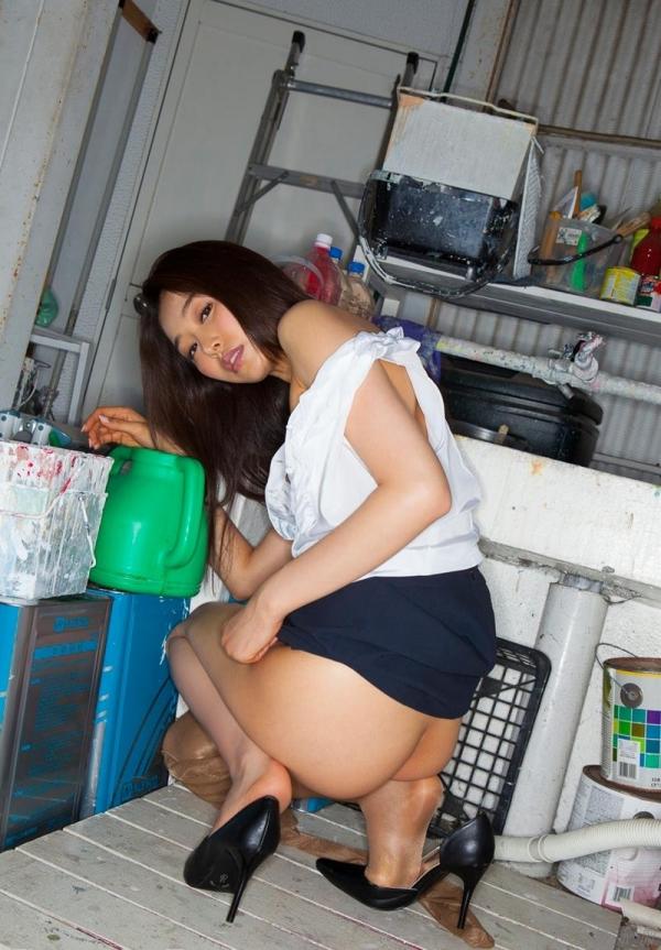 夏目彩春(なつめいろは)美脚美女の画像140枚のaa035番