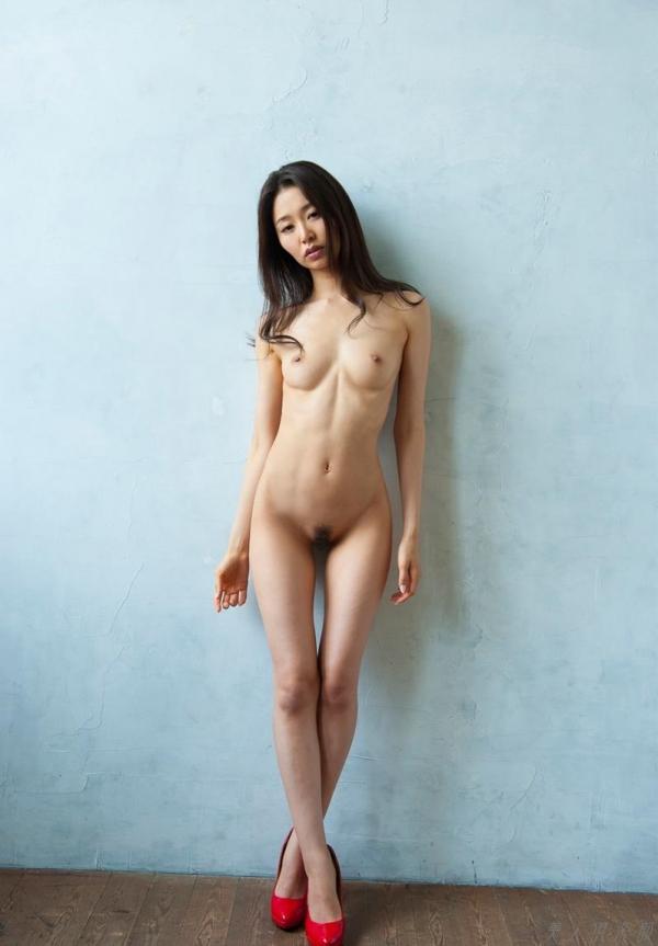 夏目彩春(なつめいろは)美脚美女の画像140枚のaa054番