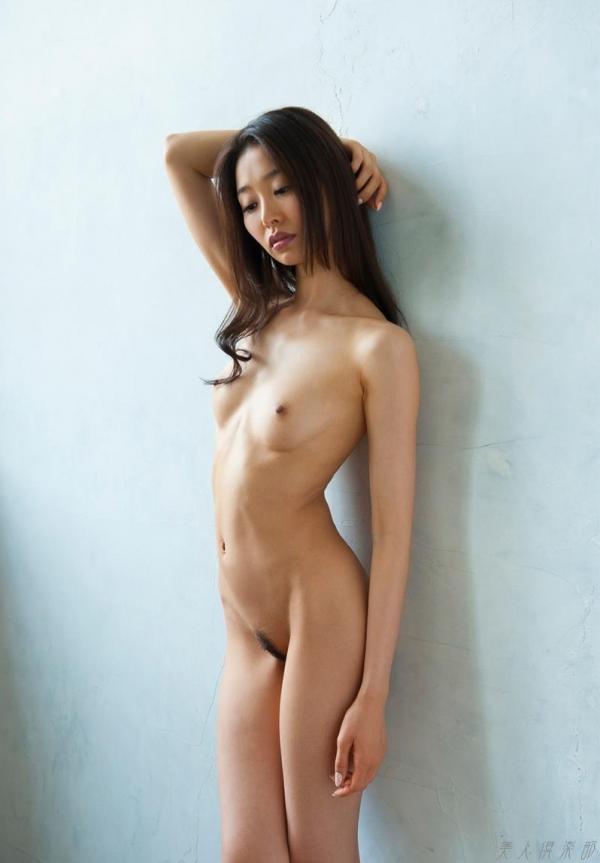 夏目彩春(なつめいろは)美脚美女の画像140枚のaa057番