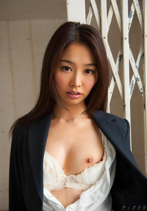 夏目彩春(なつめいろは)美脚美女の画像140枚のaa064番