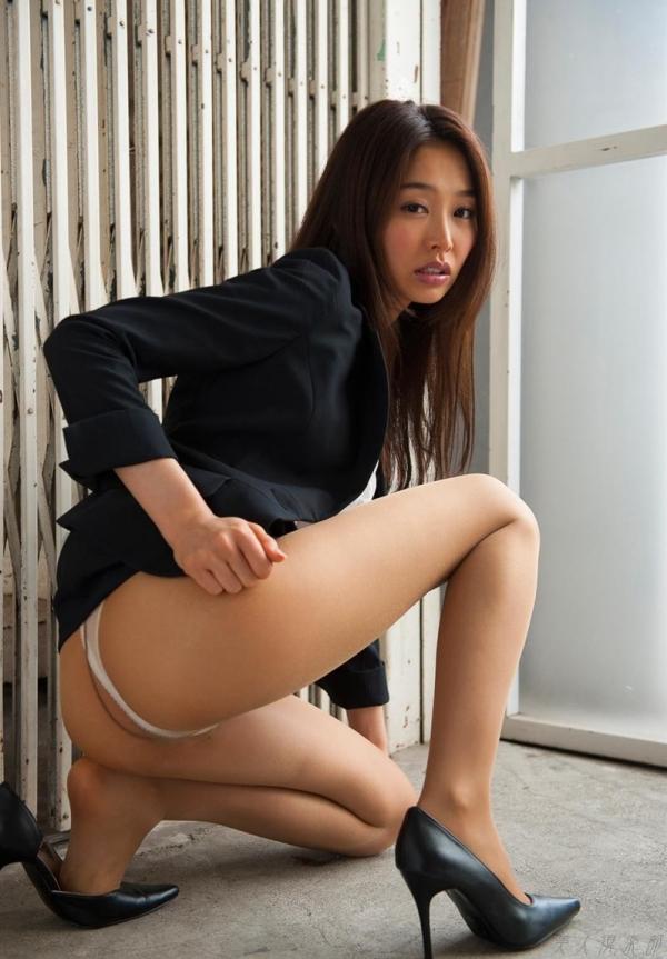 夏目彩春(なつめいろは)美脚美女の画像140枚のaa068番