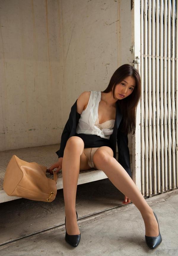 夏目彩春(なつめいろは)美脚美女の画像140枚のaa069番