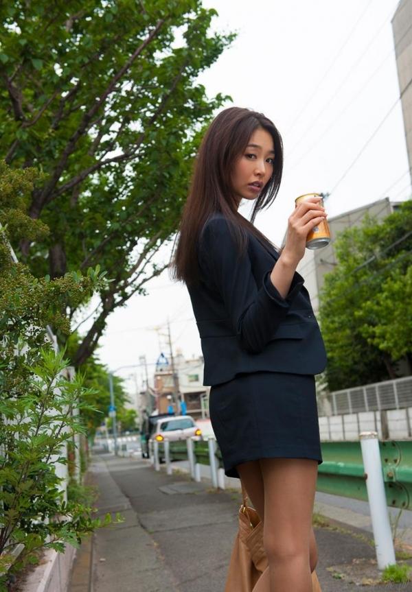 AV女優 夏目彩春 なつめいろは 美尻 美脚 フェラ画像 クンニ画像 エロ画像 無修正aa070a.jpg
