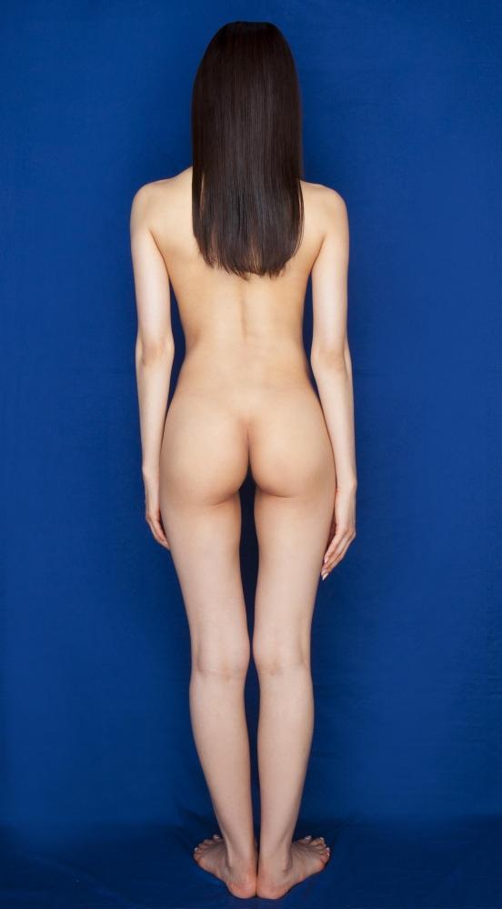 夏目彩春(なつめいろは)美脚美女の画像140枚のaa089番